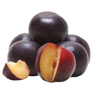 Manjar de coco com ameixa preta empregnada