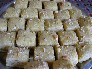 nariyal ki barfi without khoya in hindi