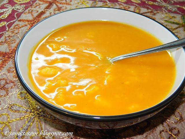 Tekvicová polievka s krupicovými haluškami