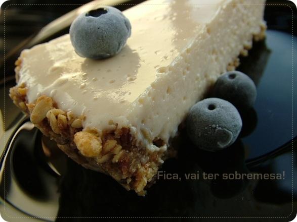 Torta de ricota com base de granola