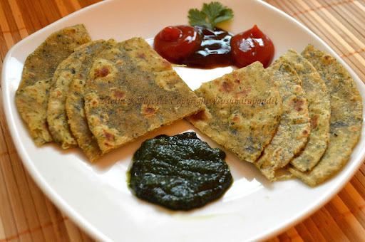 Methi K Parothe(Fenugreek Leaves Flat Indian bread)