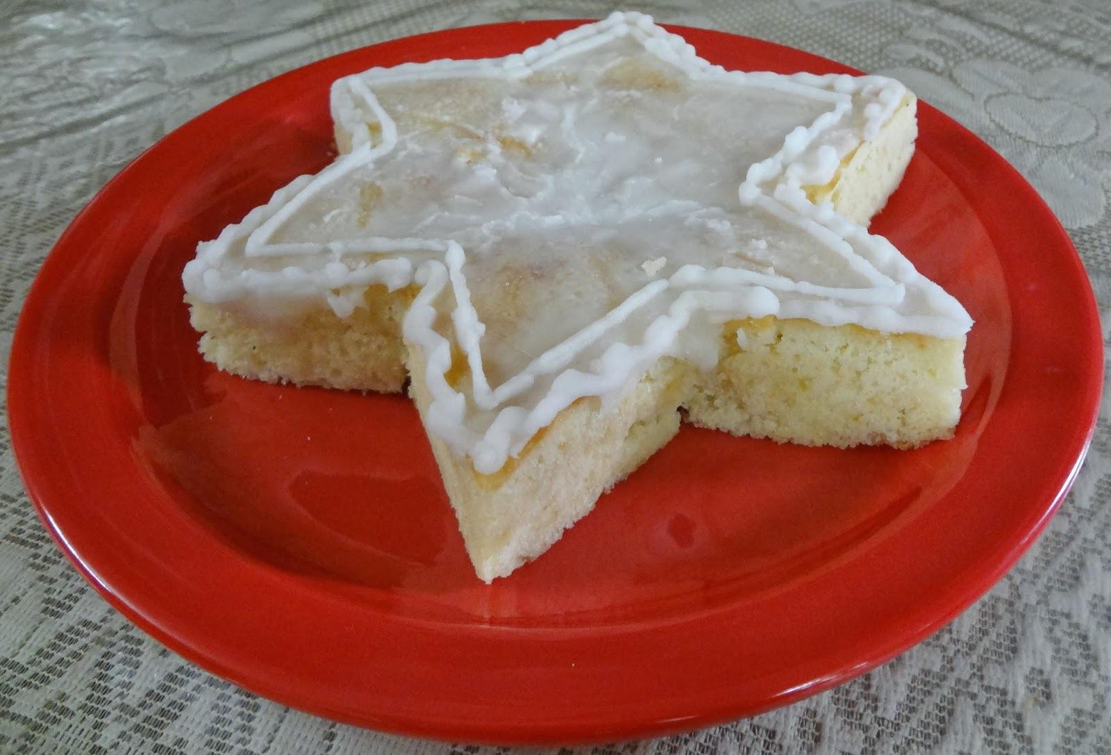 Eggless Glossy Lemon Cake