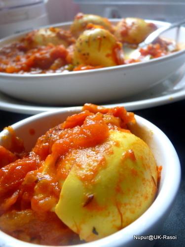 Eggs in Tomato Gravy : Kashmiri Style