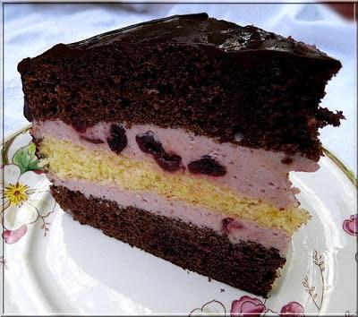 Meggyes-mascarpone krémes szülinapi torta