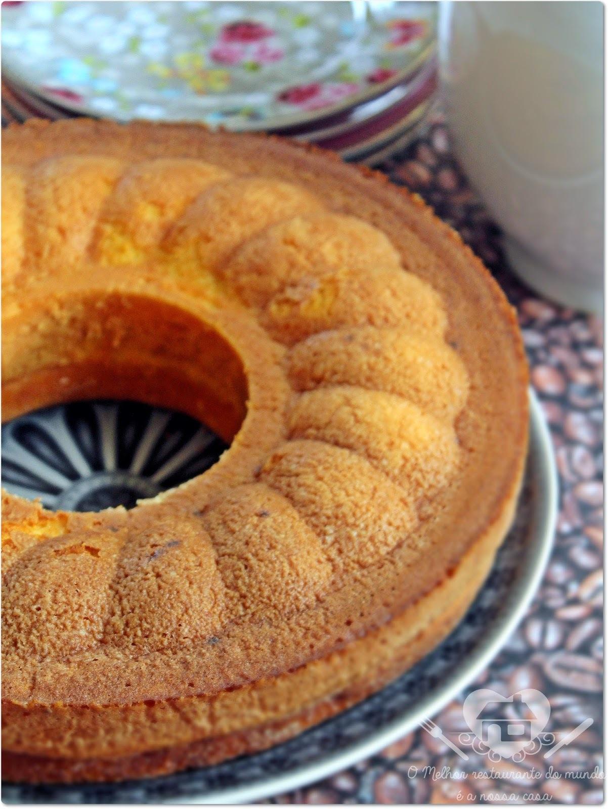bolo com flocos de milho de liquidificador cremoso