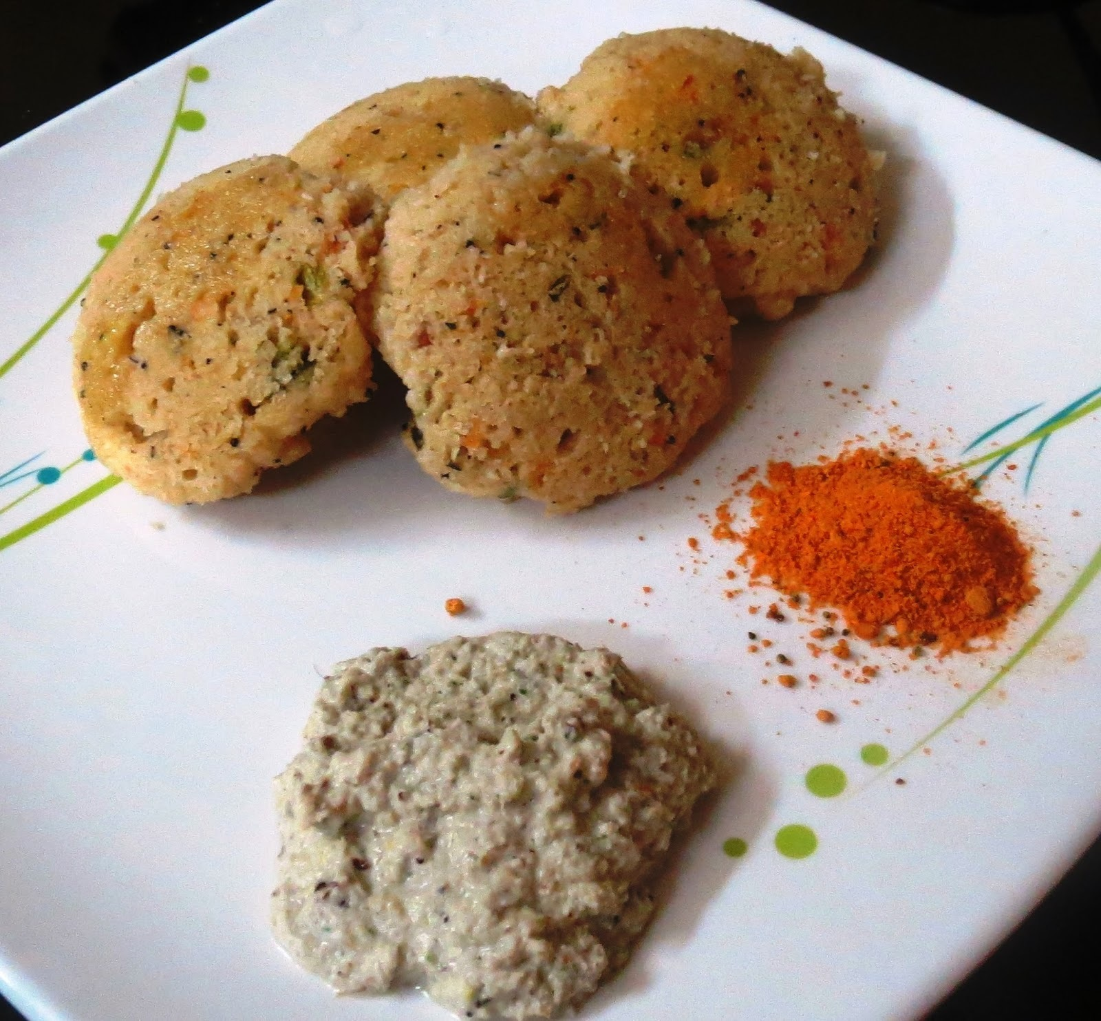 Oats - Rava Idli with Ground Nut Chutney
