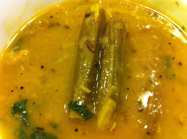 SIMPLE PLEASURES -Shevagyachya shenganchi amti (Daal with drumsticks)