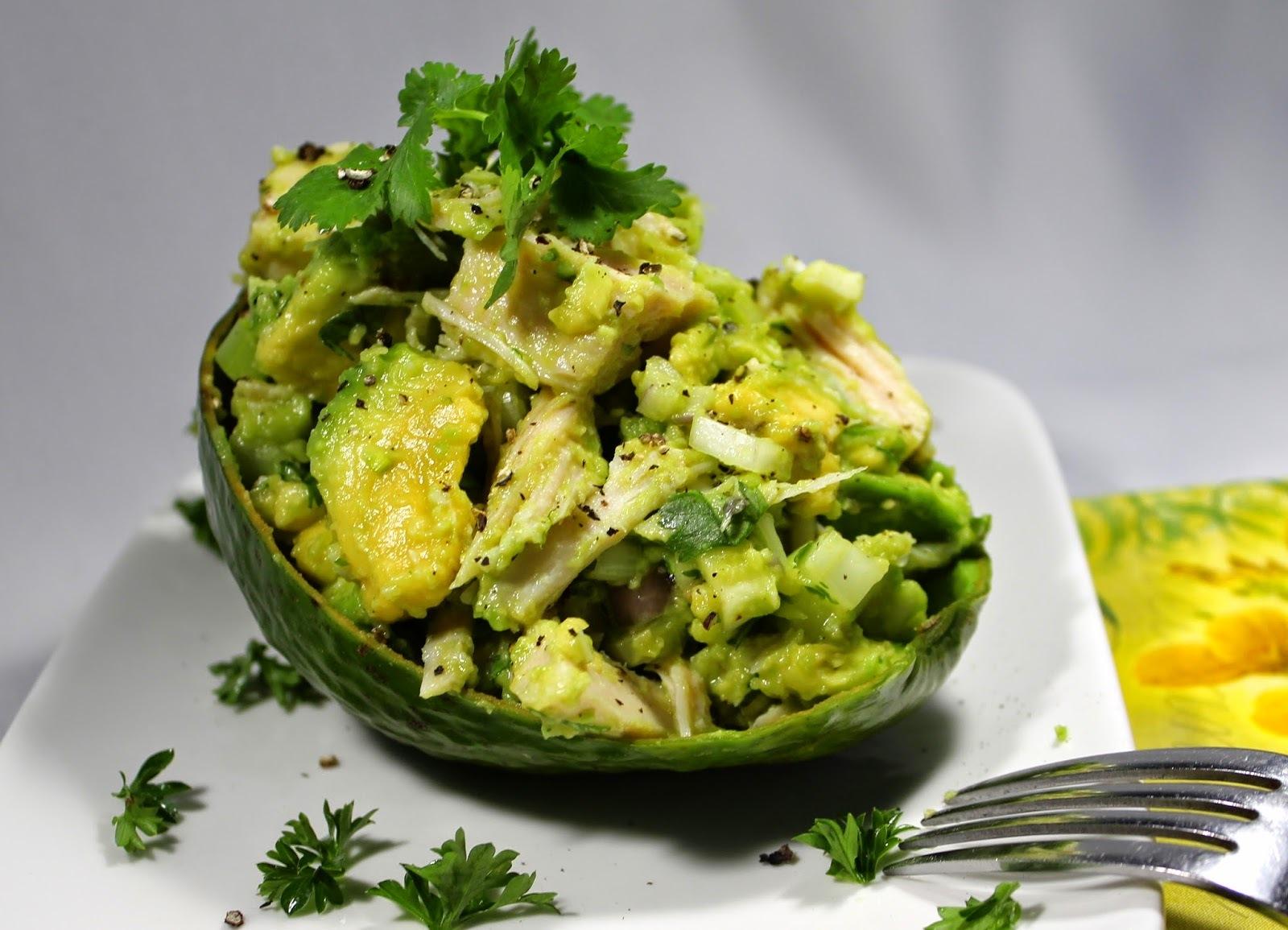 Avokado pileća salata