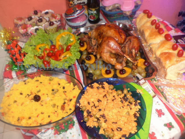 Peru de Natal com frutas