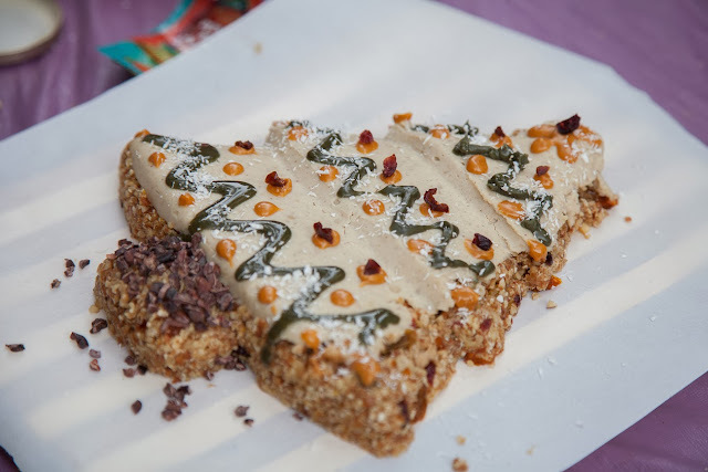 torta navideña crudivegana