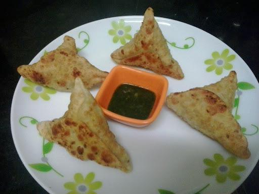 Gujarati samosa recipe | aloo matar samosa gujrati style