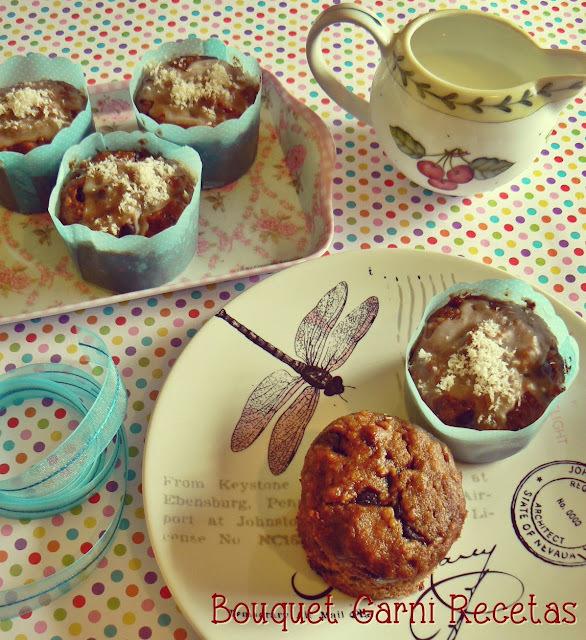 Muffins de bananas, nueces y chocolate (sin huevos, sin crema y sin manteca)