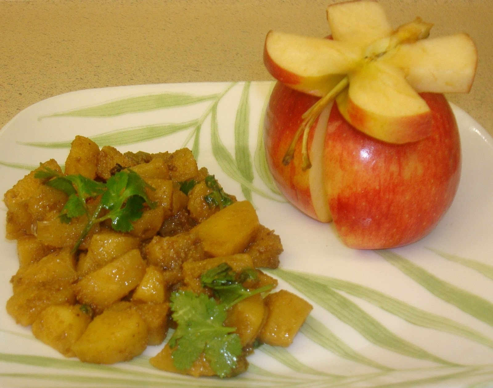Apple Sabzi