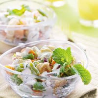 Salada de Frango e Legumes com Molho de Iogurte