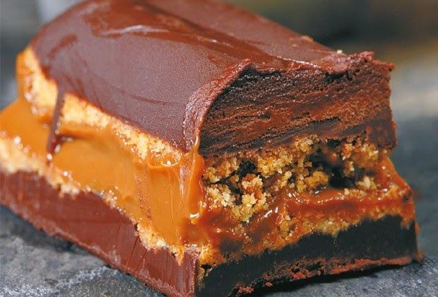 de bolos gelados recheados de chocolate