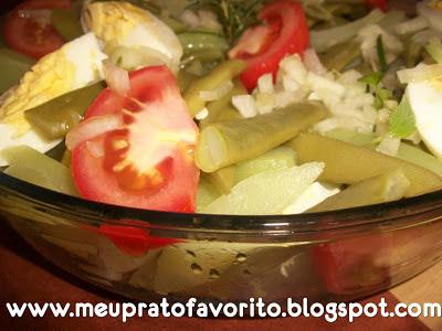 como enfeitar saladas simples
