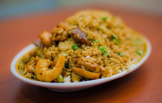 arroz con Pollo, Camaron, y Albondigas