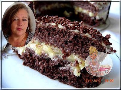 bolo trufado de morango e chocolate branco