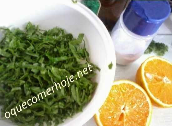 Salada de Couve com molho de laranja