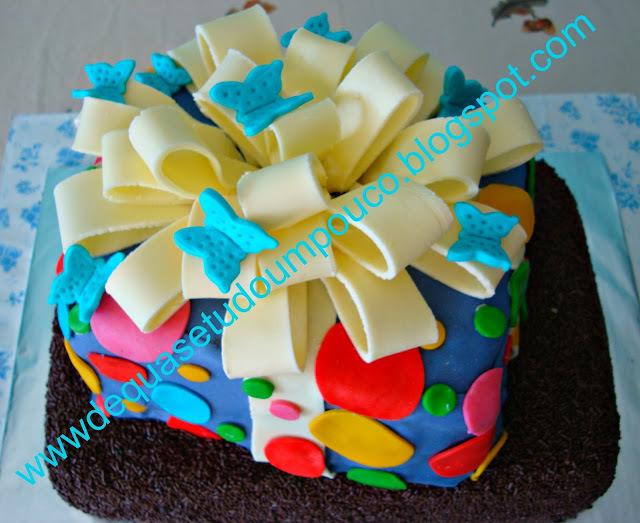 como confeitar bolo de aniversario passo a passo