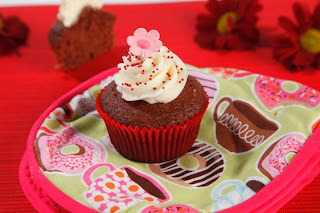 Raspberry velvet cupcakes from GoBake