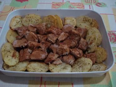 file mignon suino e batatas no forno