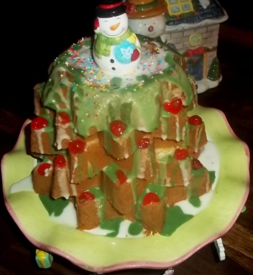 Παιδική ζαχαροπλαστική: Χριστουγεννιάτικο δεντράκι από Ιταλικό Pandoro