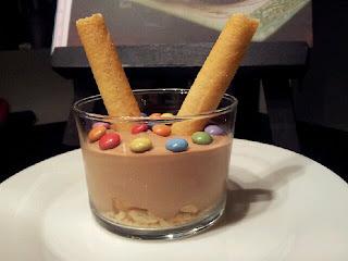 Mousse chocolat, petits beurres et mini Smarties