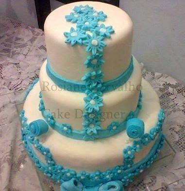 Como cobrir um bolo com pasta americana - Parceria com A. Gomes