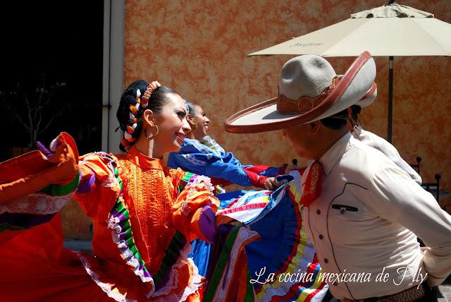 ¿Cinco de mayo y olé? ¡La idea que tienen de México en  algunos países.... ¡Mangonadas receta!