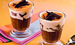 Musse de chocolate e maracujá