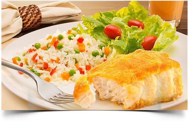 de peixe na frigideira com papel aluminio