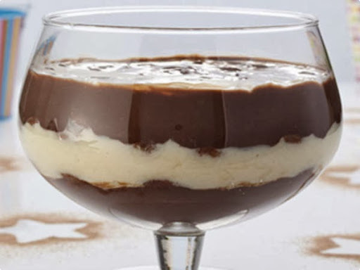 pave de chocolate com bolacha champagne
