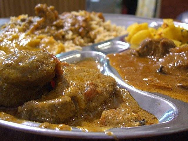 Recette d'agneau (mouton) Nihari aux épices indiennes et eau de rose, Aïd  El Kebir (Inde)