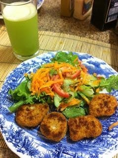 salada de pepino e alface e molho shoyo