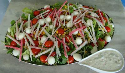 Salada de Folhas Com Molho de Kani Kama