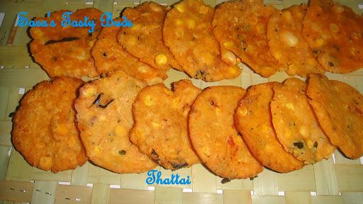 Thattai / Round crispy snack