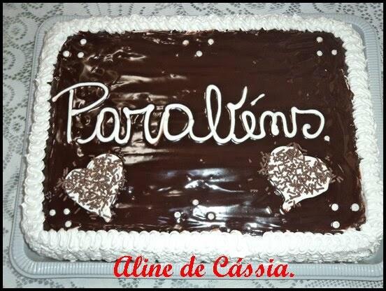 Bolo de chocolate com recheio sonho de valsa: Aline Viana