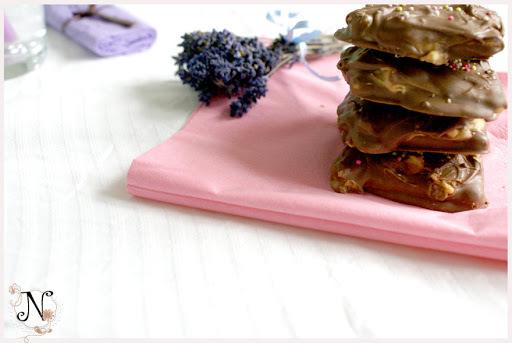 Chocolate Peanut Butter Sandwiches / Piškoti z arašidovim maslom