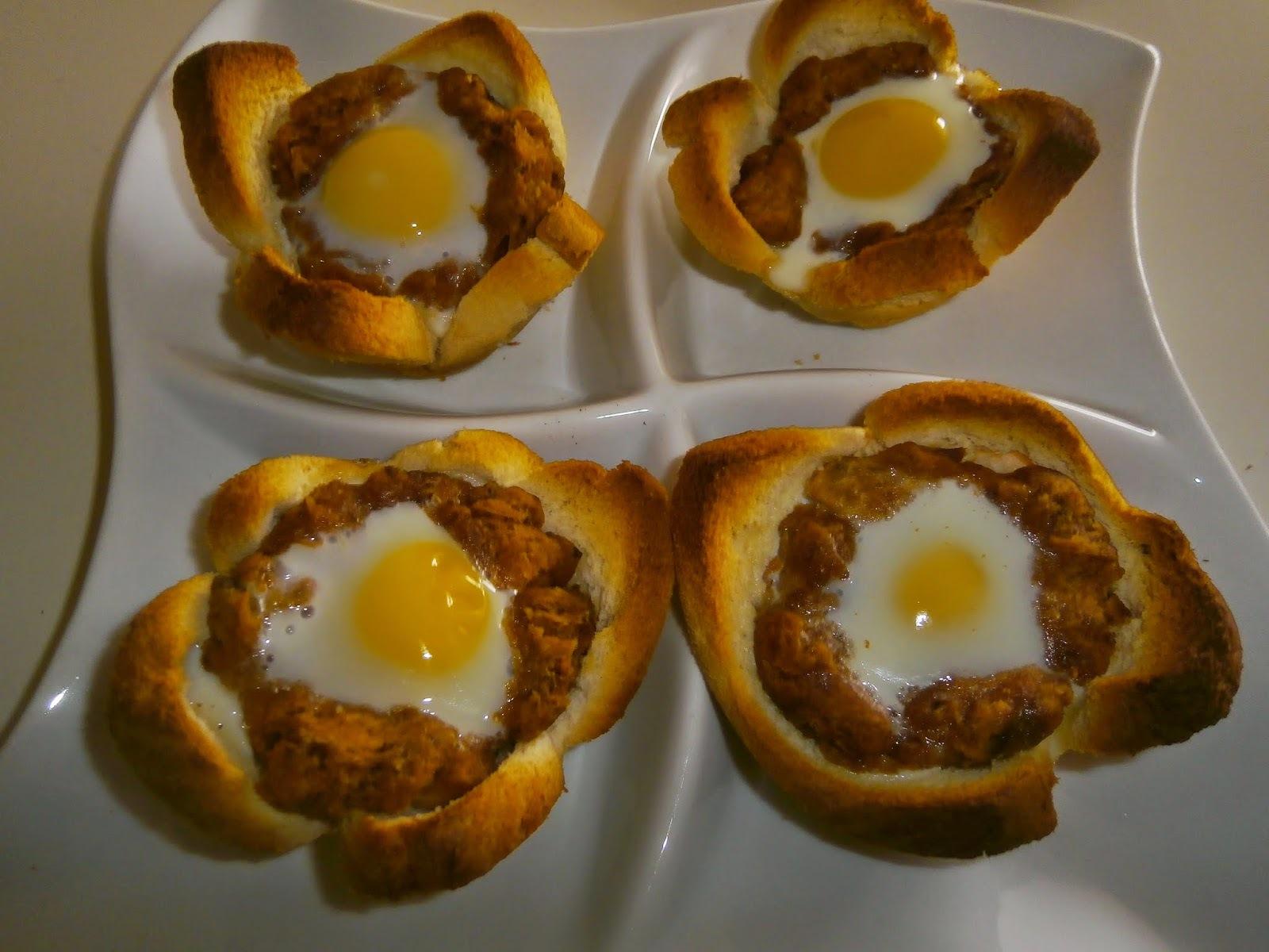 Crocante de alheira com ovos de codorniz
