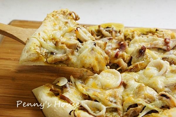 【食譜】下廚桿麵皮,自己做pizza (Q彈厚餅皮);經典夏威夷、青醬海鮮雞肉
