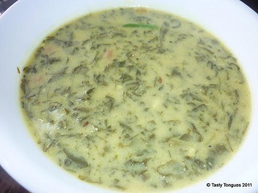 पालकाची ताकातली भाजी(Spinach in yogurt gravy)