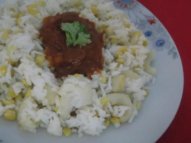 Koshari - Lentils and Rice with Tomato Sauce