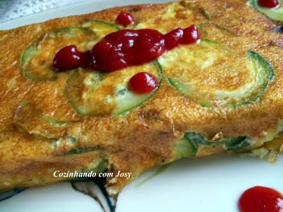 Omelete de forno com berinjela