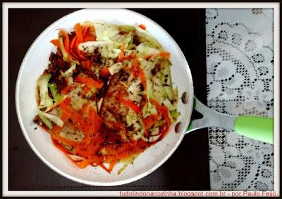 Bisteca Suína com Refogado de Legumes