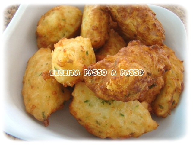 bolinha frita de queijo gruyere