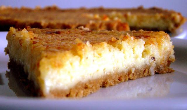 Torta delícia de coco e queijo