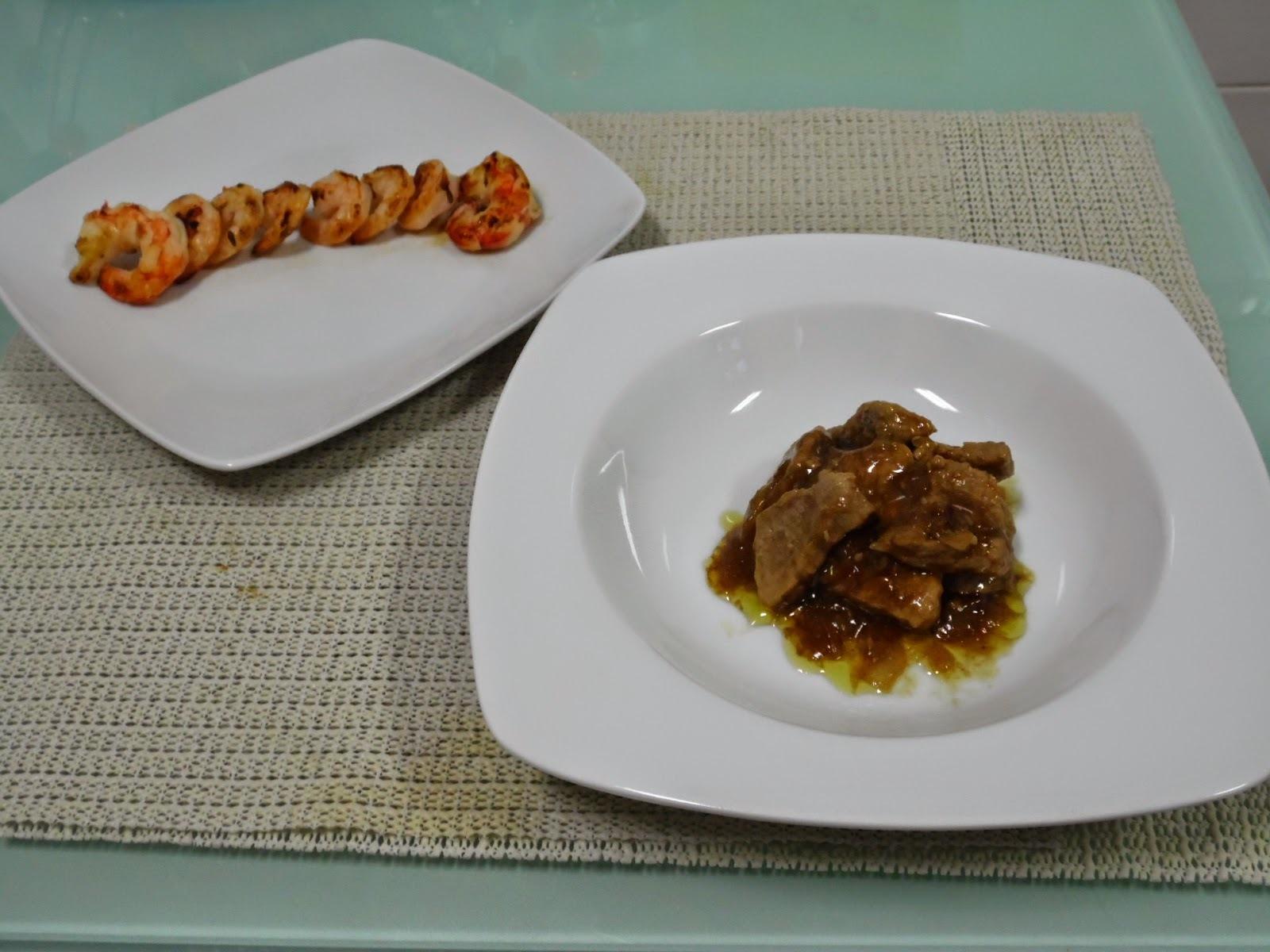 Carne de porco com molho de ostra e camarões grelhados