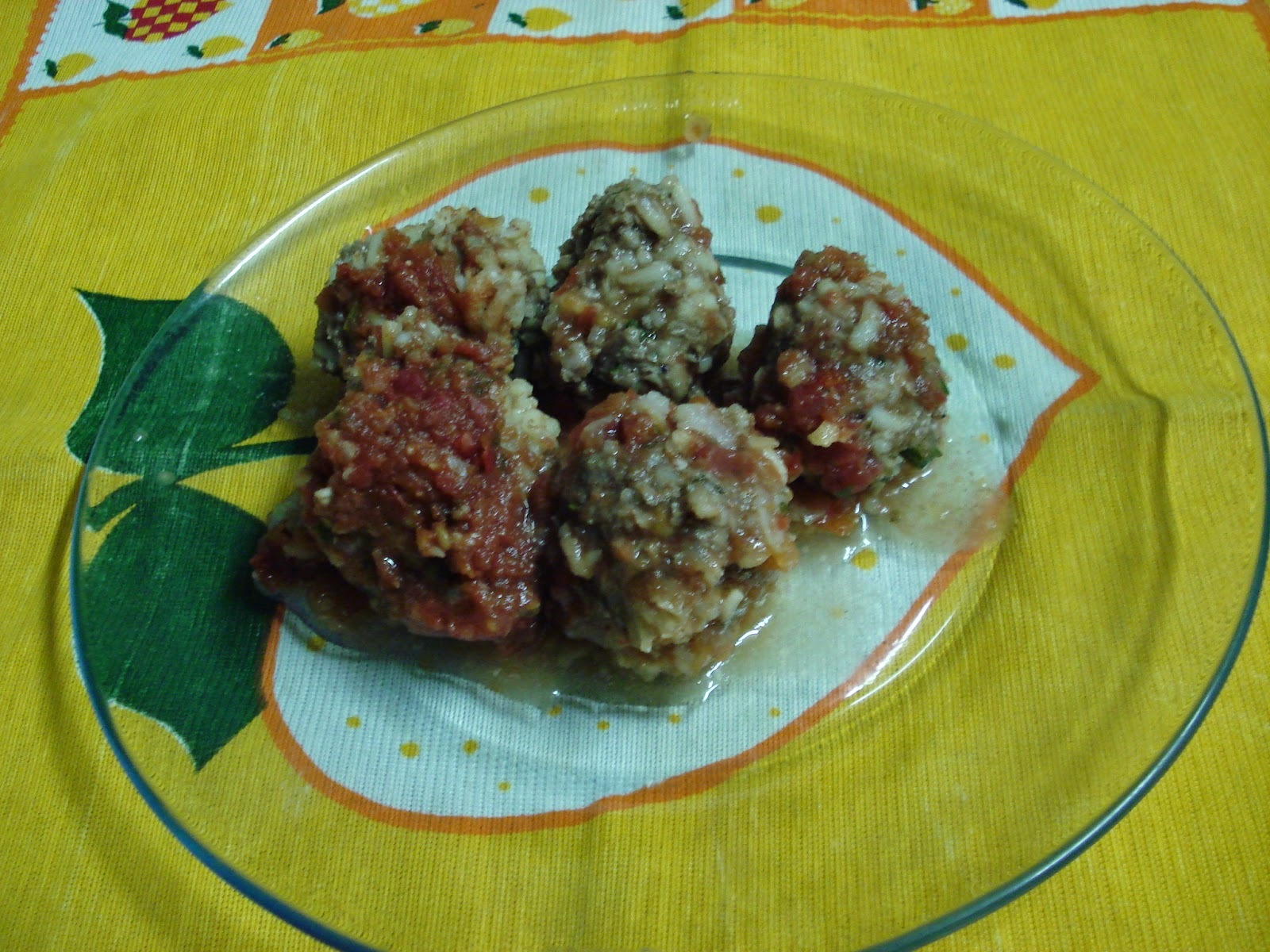 Porco Espinho (bolinhas de carne e arroz)...É o Prato Do Dia!
