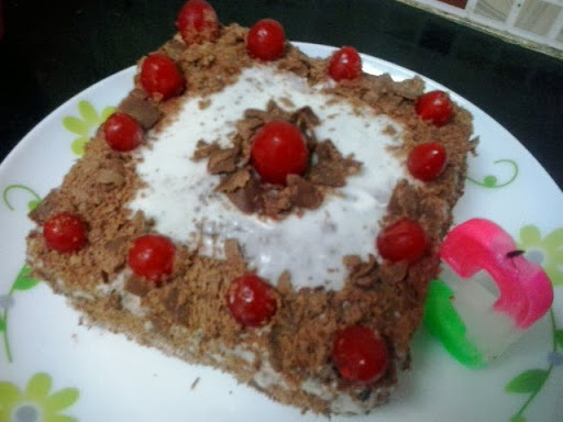 eggless black forest cake in hindi